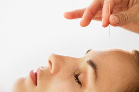 tratamientos y sesiones de acupuntura en Barcelona para el dolor de espalda, cuello, hombro, rodilla, lumbago, migraña, ansiedad,adelgazar,dejar de fumar, insomnio,estrés, fertilidad, embarazo,parto.